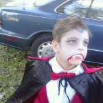 kid-in-dracula-costume